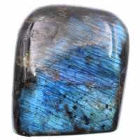 Blauw gekleurd labradoriet blok
