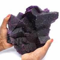 Uitzonderlijke donkerpaarse fluorietkristallisatie