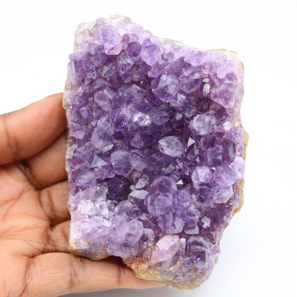 Stuk natuurlijke amethist steen